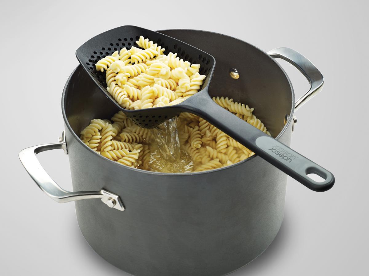 Scoop Plus Large Resting On Pan