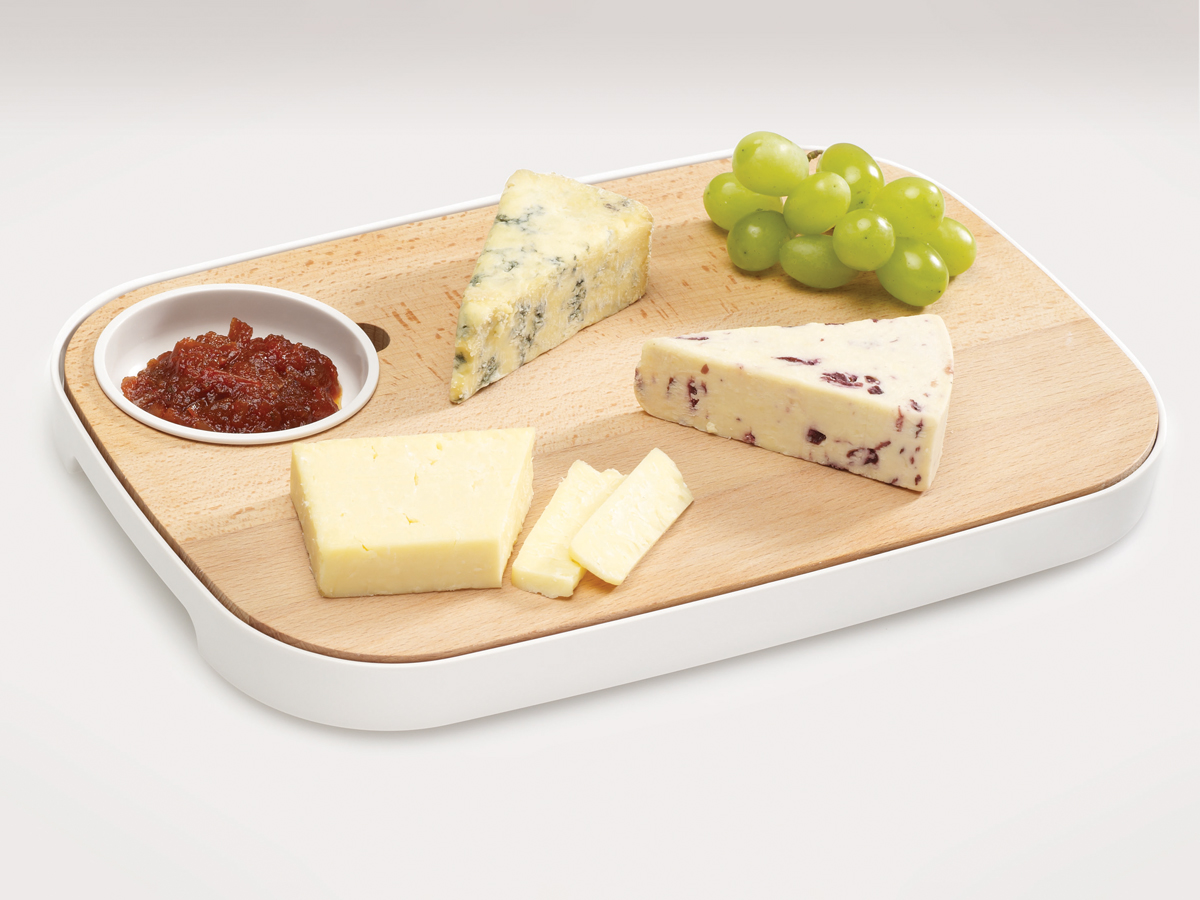 Slice&Serve In Use Cheese