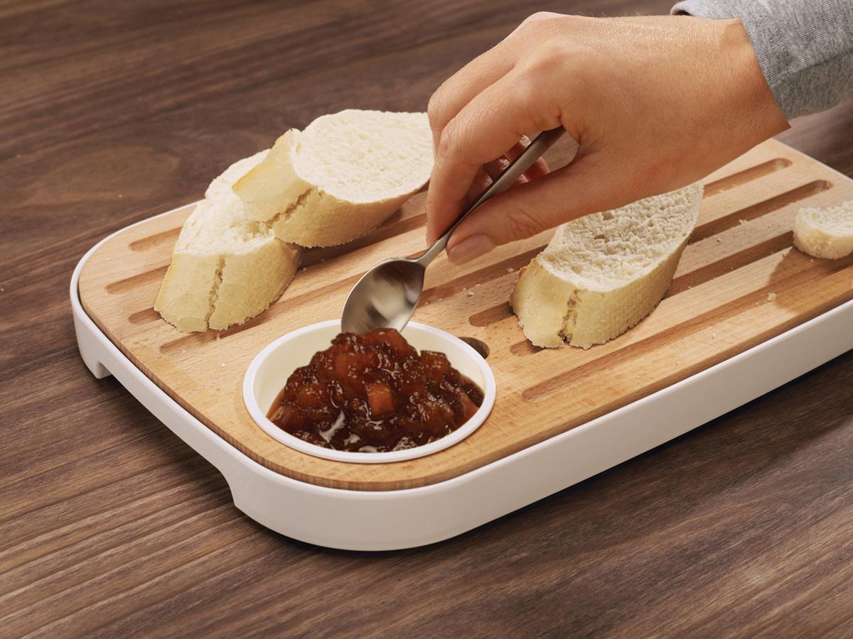 Slice&Serve In Use Jam