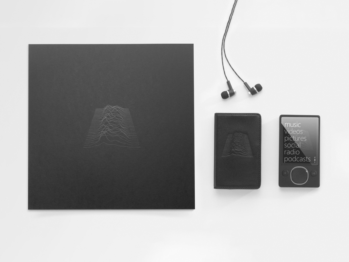 Unknown Pleasures Zune Player Out of Packaging