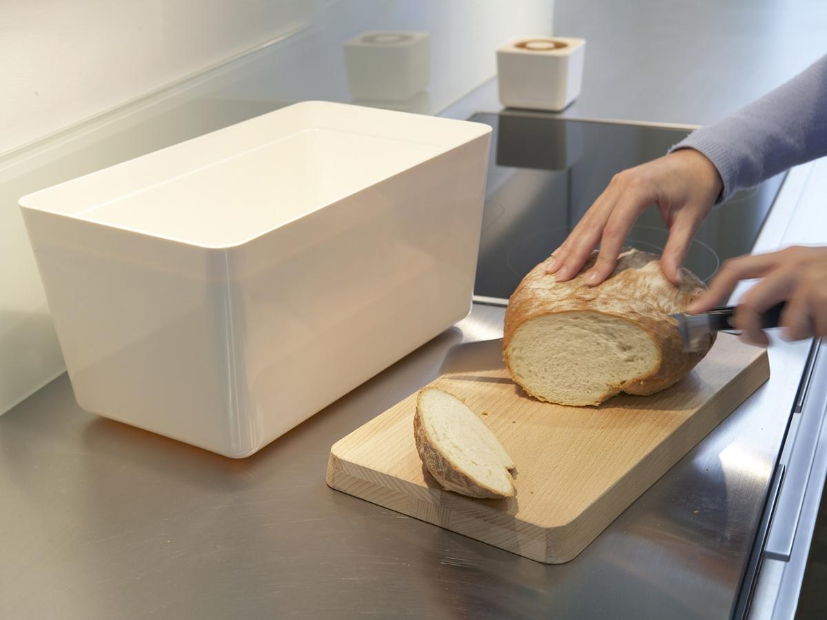 Melamine Bread Bin Mk1 03