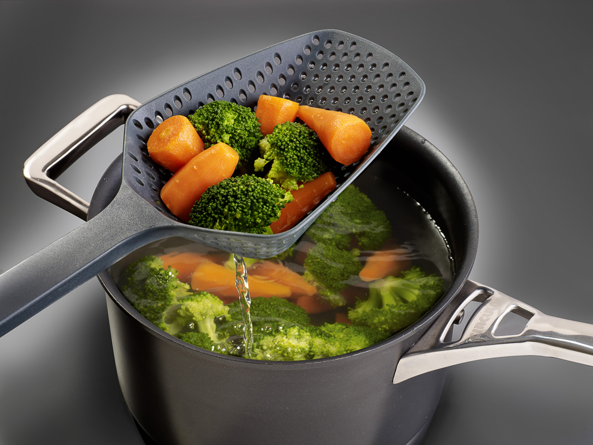 Scoop Colander In Use Veg