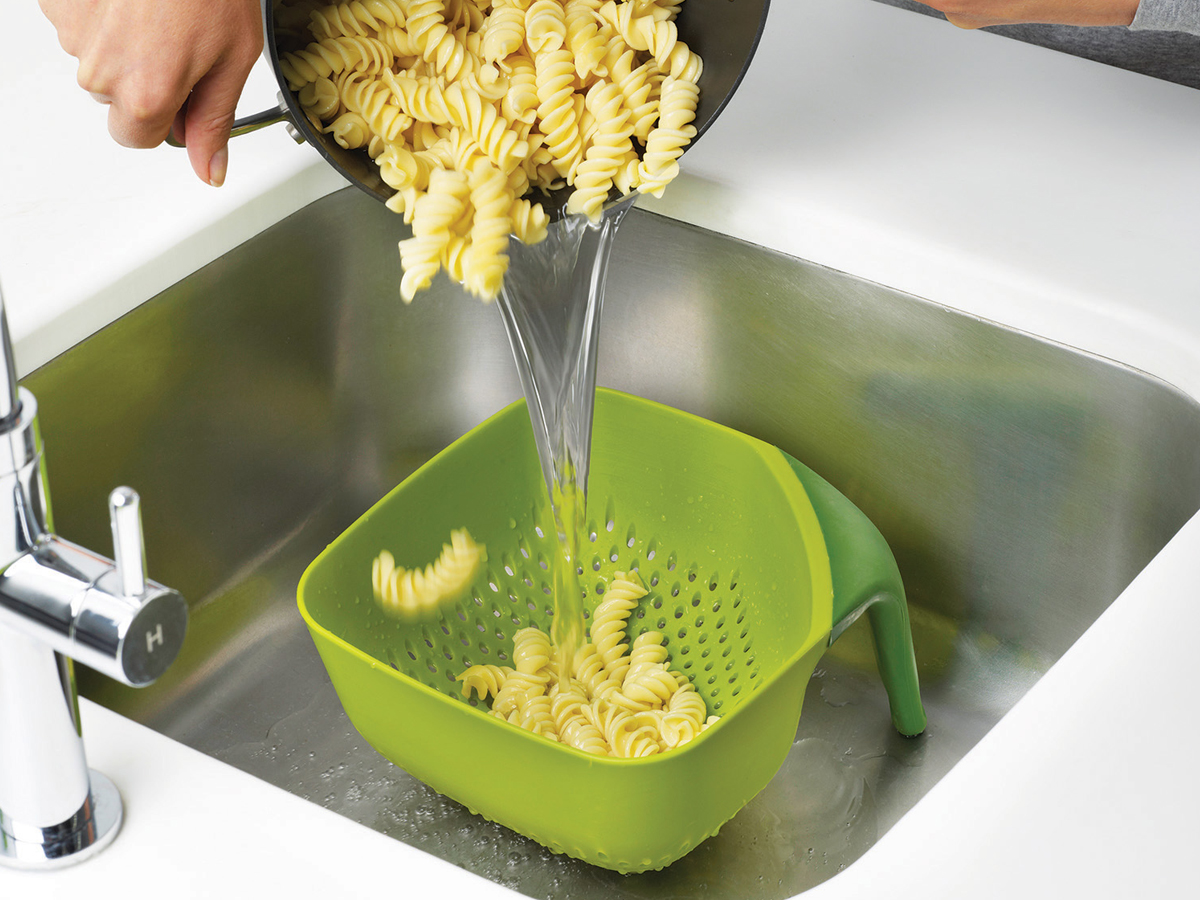 Square Colander Mk2 Medium In Sink